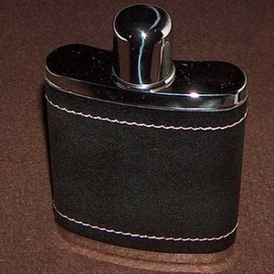 Flask zwart leder met beker op dop 210 ml 7 oz